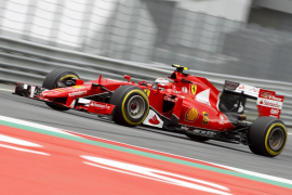 Vettel supera a Rosberg en los segundos entrenamientos en Austria