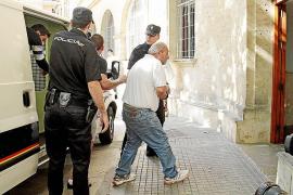 La policía registra un bufete y una gestoría por su relación con 'El Pablo'