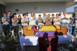 Entrega de los restos de los mariandos fusilados