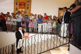 Miles de personas celebran Sant Joan en Ciutadella