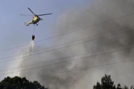 Gran despliegue por un incendio en el solar de un restaurante abandonado en Marratxí
