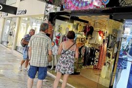 La mayoría de comercios esperará al 1 de julio para iniciar las rebajas