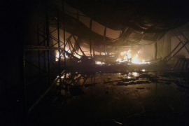 Incendio en dos naves industriales del polígono de Binissalem