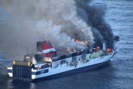 El incendio destruyó todos los vehículos de las bodegas del Sorrento menos uno