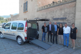 Los usuarios del Centre de Dia de Andratx dispondrán de un vehículo adaptado