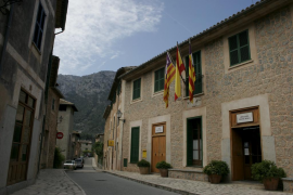 Deià también colgará la bandera gay en el Ajuntament