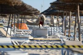 Empieza la salida de turistas de Túnez tras la masacre