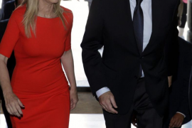 El nuevo gobierno de Cifuentes comienza su andadura con el aval de Rajoy