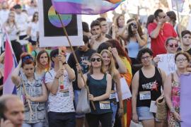 Cort acoge la manifestación del Orgullo LGTB