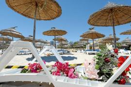 Túnez vive un éxodo masivo de turistas y cancelación de vuelos