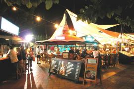 Empresarios de la calle del Dolar temen que la zona sea el nuevo Punta Ballena