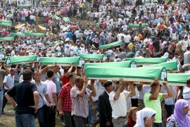 Multitudinario recuerdo a las 8.000 víctimas de Srebrenica
