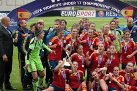 La selección española Sub17, con la mallorquina Guijarro, campeona de europa