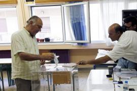 Once millones de griegos llamados a votar para decidir en referédum el futuro del país