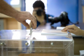 Se impone el 'no' en el referéndum griego, según las primeras encuestas