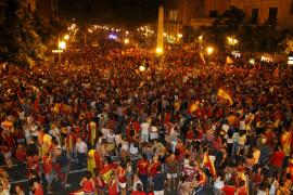 Mallorca se vuelca con la Selección y se echa a la calle tras el partido