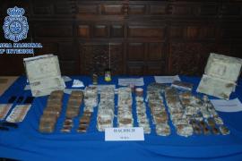 La Policía desarticula una banda que transportaba droga en cajas fuertes