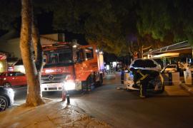 Un taxi se incendia en Santa Ponça y el conductor es trasladado al hospital