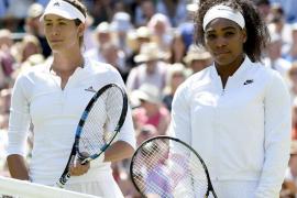 Serena vuelve a reinar en Wimbledon y aparta a Garbiñe de su primer Grand Slam