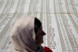 El aniversario de Srebrenica, ensombrecido por la agresión al primer ministro serbio