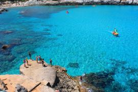 El calor «extremo» vuelve a Balears este martes