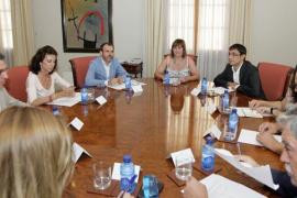 Armengol anuncia un plan contra la explotación laboral y recuperar el Consejo Económico y Social