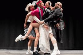 '3 nits sense dormir', una divertida comedia en Alcúdia