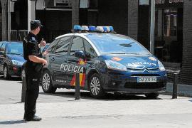 Detenido un policía local de Alaró por maltratar a su compañera sentimental