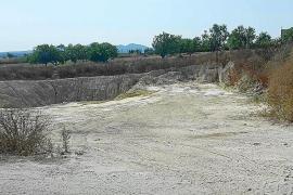 El Ajuntament de Vilafranca retira los escombros e investigará el origen del vertido