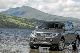 Liam Whaley conducirá el nuevo Mitsubishi L200