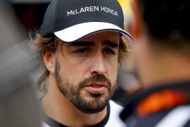 Hamilton, más veloz que Sainz y Alonso en el primer ensayo