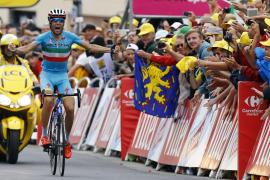 Vincenzo Nibali vence y Quintana araña tiempo a Froome