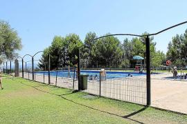 Limitan el acceso a la piscina de Binissalem para evitar que Salut cierre la instalación