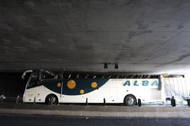 Seis jóvenes españoles graves y 15 leves por accidente de autobús en Francia