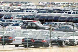 Los 'rent a car' sin alquilar y que se aparquen en la calle serán sancionados