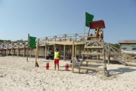 Muro aumenta la seguridad en sus playas