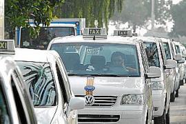 Cort subvencionará con hasta 6.000 euros a los taxis adaptados para discapacitados
