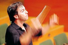El Consell mantendrá temporalmente a José María Moreno en el Principal