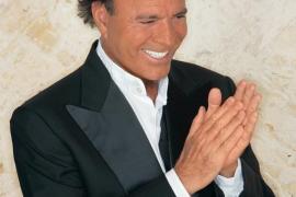 Julio Iglesias pospone su concierto en Marbella por recomendación médica
