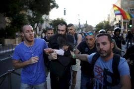 Un apuñalamiento múltiple tiñe de sangre la Marcha del Orgullo Gay en Jerusalén