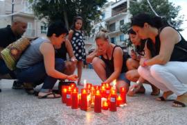 Familiares, amigos y  vecinos de Sant Jordi lloran la muerte de Gemma Vich