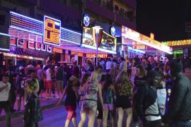 Calvià modifica la ordenanza de ruidos para retrasar una hora el cierre de la música en las terrazas de bares y hoteles