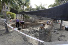 La arqueología confirma que hay estructuras talayóticas en el Castell de Son Mas