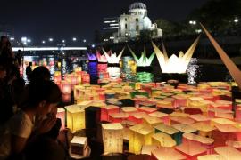 Abe pide un mundo sin armas nucleares durante el 70 aniversario del ataque a Hiroshima