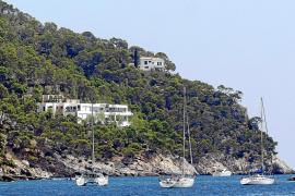 Denuncian a Alfonso Cortina por ocupar ilegalmente su chalet de lujo en Formentor
