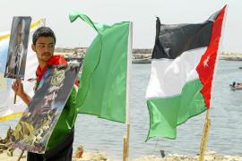 El barco con ayuda libia para Gaza cambia de rumbo y atraca finalmente en Egipto