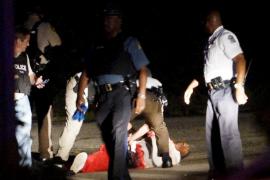 Un herido crítico por disparos de la Policía al término de la jornada de manifestaciones en Ferguson