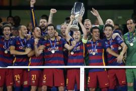 Pedro regala la Supercopa al Barcelona en la fiesta del fútbol español