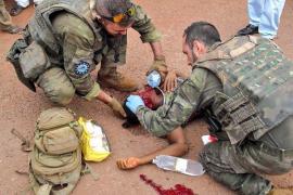 Militares baleares atienden a los heridos en un accidente en la República Centroafricana