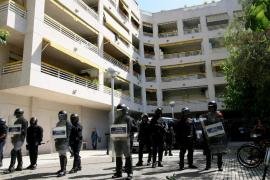Un testigo asegura que la policía «forcejeó» con el senegalés que murió en Salou